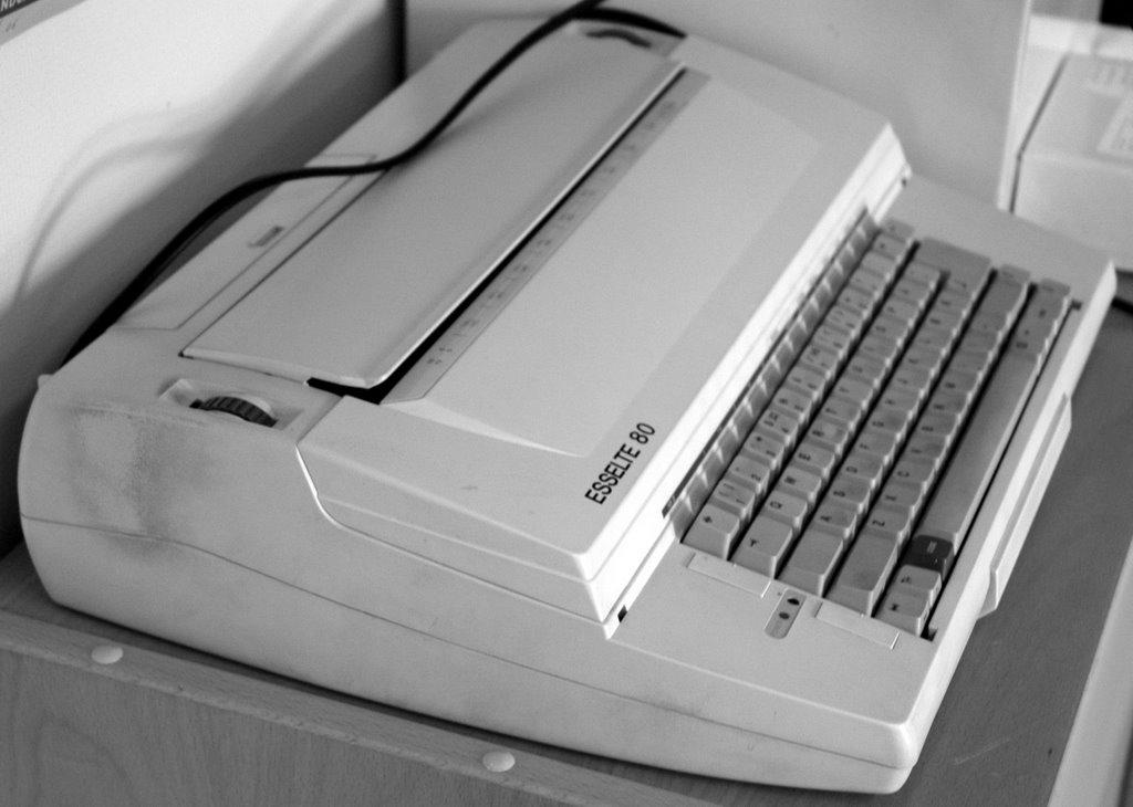 Elektrisk skrivemaskin