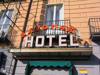 Sayonara Hotel, Naples