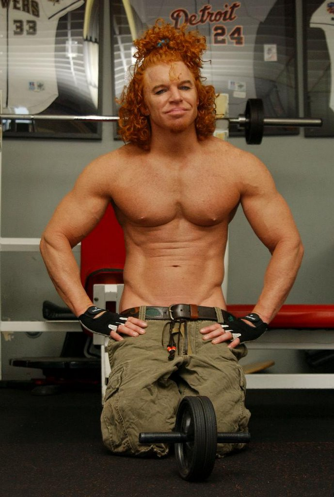 Monkey Migraine Mountain: Muscle Top: The New Carrot Top