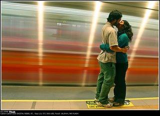 Beso en el metro