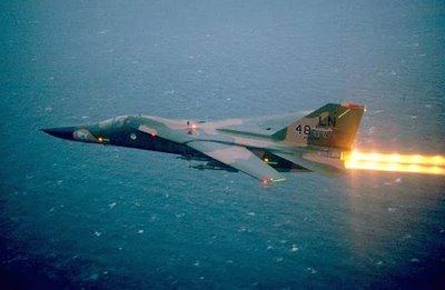 F-111 im Flug