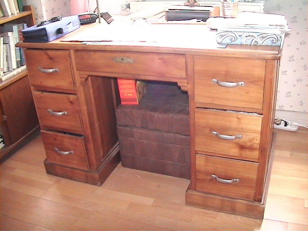 au fil des jours les choses qui ont une histoire. Black Bedroom Furniture Sets. Home Design Ideas