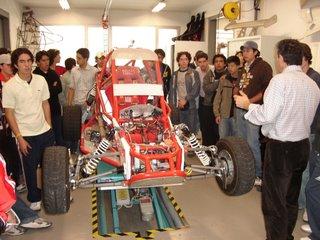 En el laboratorio de mecánica automotriz