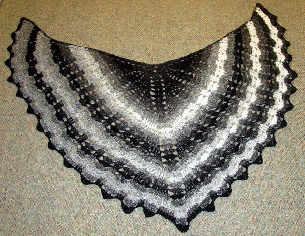 Free Crochet Pattern Batwing Shawl : Pirks Knit and Crochet Attic: July 2005