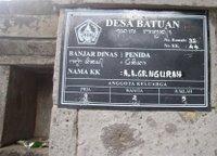 A placa indica quantos homens, mulheres e crian�as vivem aqui