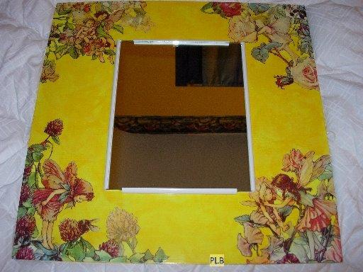 la caverne aux serviettes collage de serviette elfettes sur cadre avec miroir. Black Bedroom Furniture Sets. Home Design Ideas