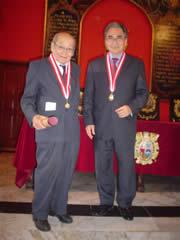 El profesor Emérito junto al señor Rector Manuel Burga