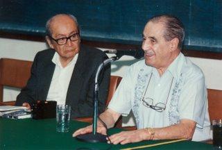 Miguel Maticorena Estrada con Manuel Ballesteros Gabrois en el auditorio de la Fac. de CC.SS.de la UNMSM en 1994