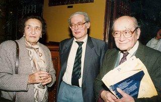 Miguel Maticorena con María Rostworowski y Nathan Wachtel en el Instituto Raúl Porras, 17 de agosto de 1998