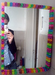 Plaqueta y ya amo mi depa for Como decorar un espejo redondo