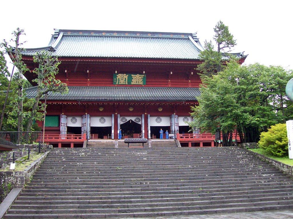 Nikko-Rinnoji-Temple---Sanbutsudo.jpg