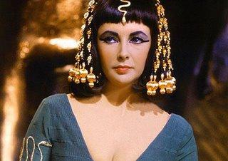 Eilís Ní Táillúra mar Chleopatra - Iníon Isis, Banríon na Níle