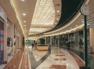 le corti venete centro commerciale