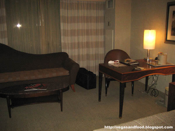 Mgm Grand Tower Room Vegas And Food