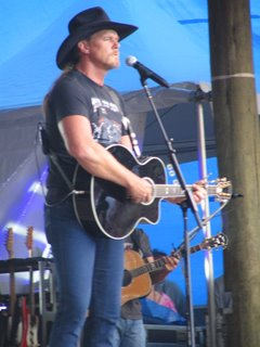 Trace with the Guitar