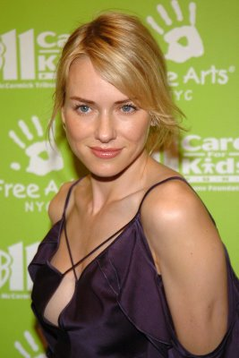 Naomi Watts cleavage