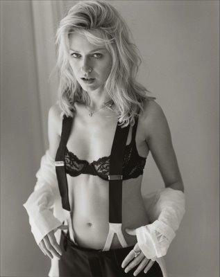 Naomi Watts Hot Bra!