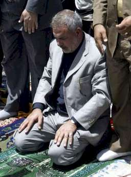 Iraqi trade minister al-Sudani Friday prayers Sadr city June 16 2006