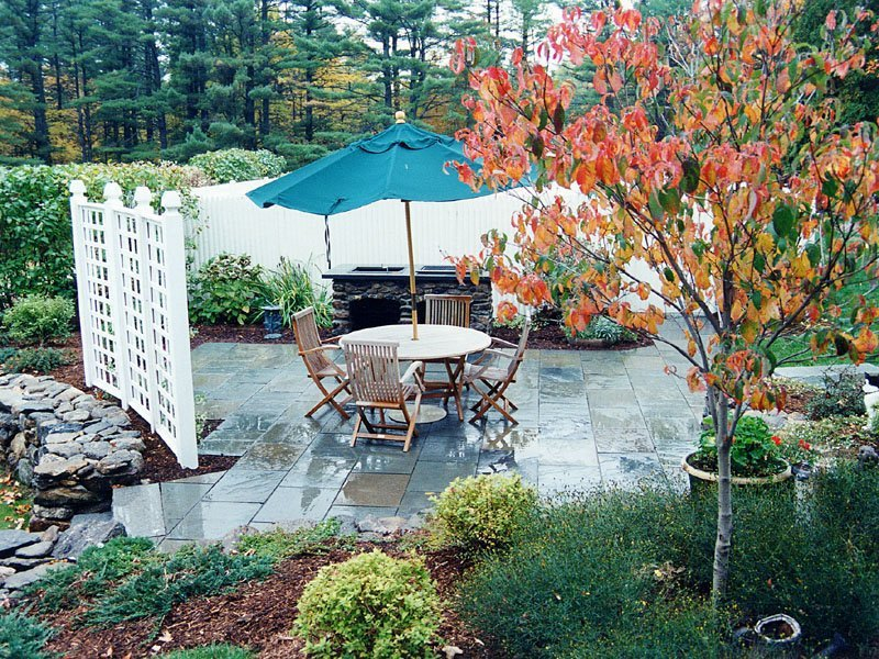 Realty reality small patios creating an outdoor living for Creating an outdoor living space