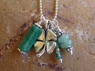 http://www.stonesonstring.com/get_lucky_necklace.htm#Get%20Lucky