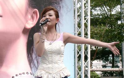 2005-10-16梁靜茹西門町簽唱會-2