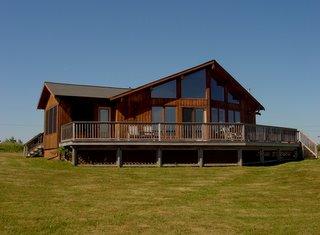 2BR prow-front cedar chalet summer home