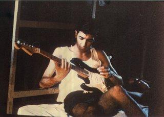 Julio e sua guitarra