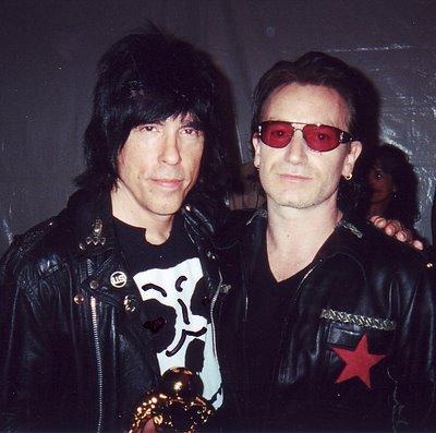 Marky com um dos membros do 'Fã-Clube'