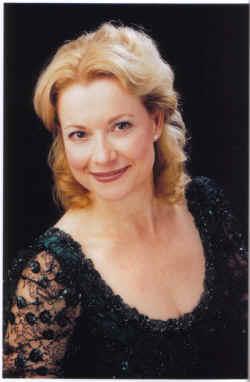 Rosa Lamoreaux, soprano