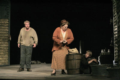 Anthony Dean Griffey (Peter Grimes), Christine Brewer (Ellen Orford), and Austin Allen (John, boy apprentice), Santa Fe Opera, July 2005
