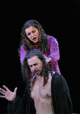 Janice Watson as Salome and Greer Grimsley as Jokanaan, Salome, Santa Fe Opera, with natural lighting, photo by Ken Howard © 2006