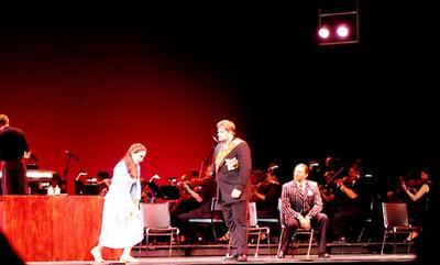 Kate Lindsey (Cenerentola), Weston Hurt (Dandini), Jason Hardy (Don Magnifico), La Cenerentola, Wolf Trap Opera Company, August 20, 2005