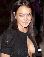 Look at Lindsay Lohan's boobs!
