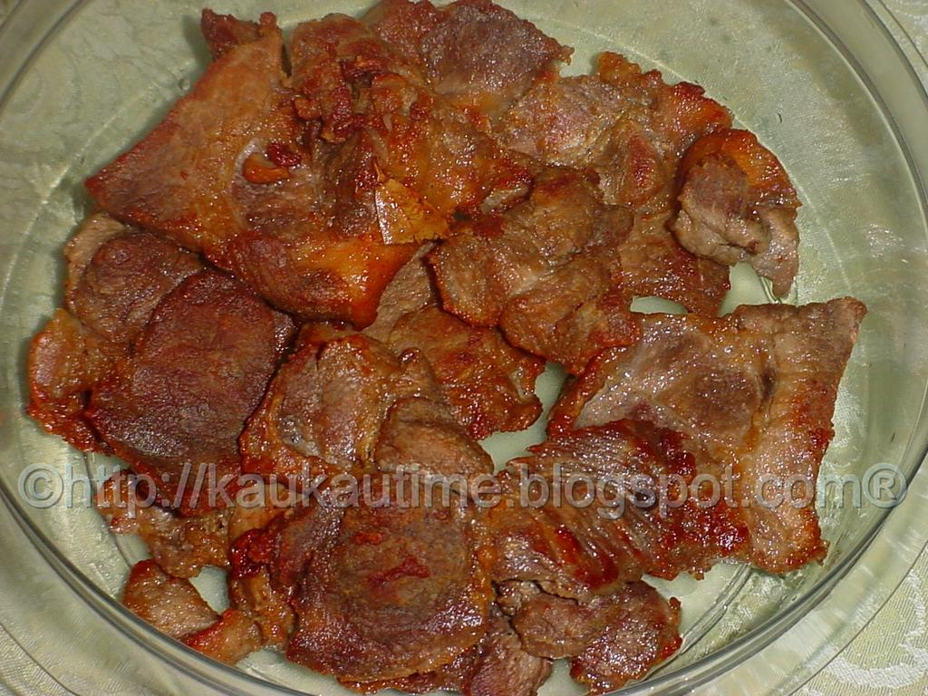 Kaukau time kaukau is a hawaiian pidgin slang word meaning food pritong baboy fried pork filipino style forumfinder Image collections
