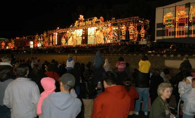 Metrolink Holiday Toy Express, click to learn more...