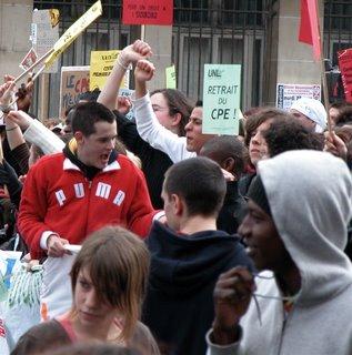 Das Aussehen der Demonstranten war bunt gemischt.