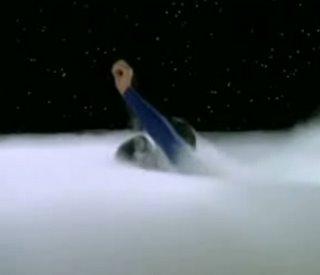 Hier stößt Superman mit Lois gerade durch die Wolkendecke hinauf zu den Sternen. Szene aus der Kabel-1-Ausstrahlung der alten Fernsehserie.
