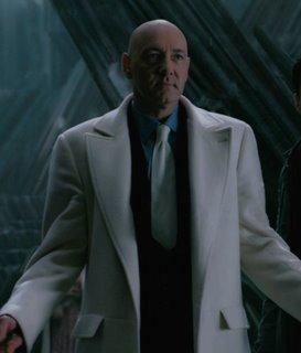 Peinlich: Der Bösewicht hat den deutlich besseraussehenden Mantel.