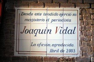 Azulejo a Joaquín Vidal en la plaza de Las Ventas