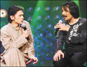 SUPERB COMBINATION: Jamal Abdillah and M. Nasir turned in a memorable performance<br />