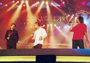 Mawi, M. Nasir dan Jamal yang mendendangkan lagu Ghazal Untuk Rabiah mendapat pekikan gemuruh daripada penonton di Stadium Putra Bukit Jalil, Kuala Lumpur pada malam Ahad lalu.