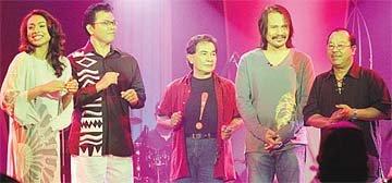 Othman Hamzah ketika sesi rakaman bersama Ning Baizura, S Sahlan, M Nasir dan A Ali - Gambar dari Binatang Popular 23 April 2006