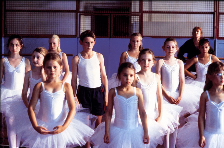 billy elliot stephen daldry essay Module c billy elliot hsc essay user description: daldry stephen's film billy elliot and tadahito's novel our journey to the end of the ceasing world hsc 2015 mid band 5 notes used in my hsc.