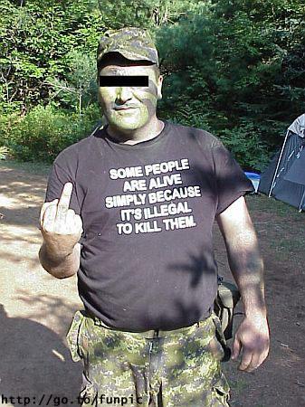 "De afbeelding ""http://photos1.blogger.com/blogger/5816/1214/1600/t-shirt_15.jpg"" kan niet vertoond worden, omdat ze fouten bevat."
