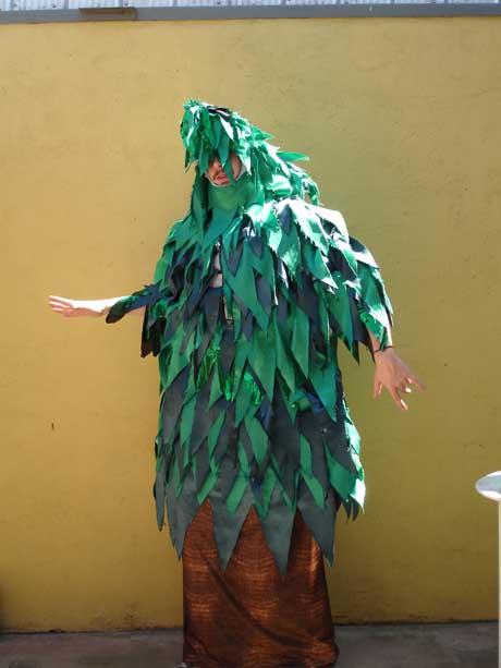 Como hacer un disfraz de arbol en foami - Imagui