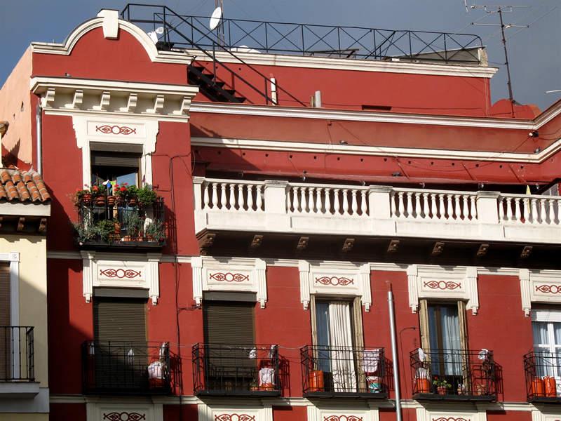 overlooking el rastro; click for previous post