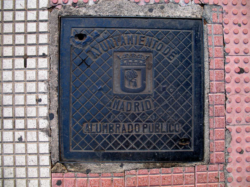 madrid utility cover; click for previous post