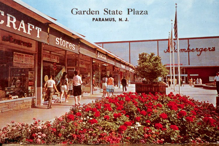 Malls Of America Vintage Photos Of Lost Shopping Malls Of The 39 50s 39 60s 39 70s