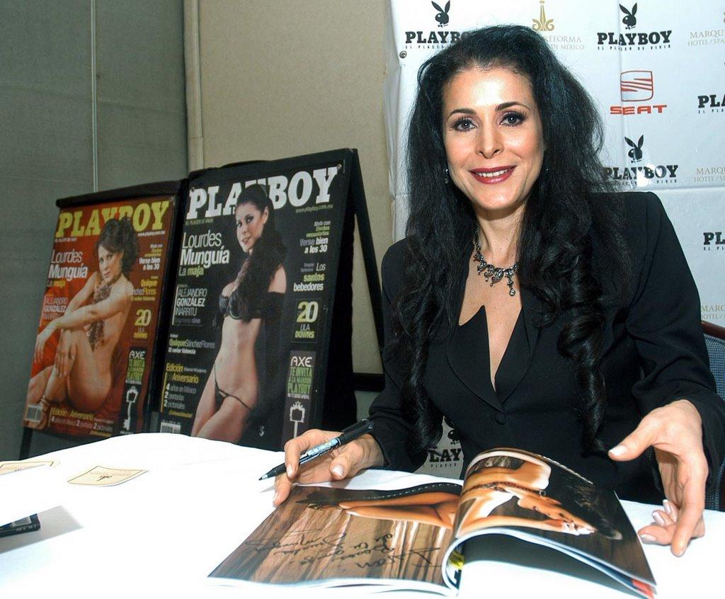 Lourdes Munguia Playboy Poso Para Revista