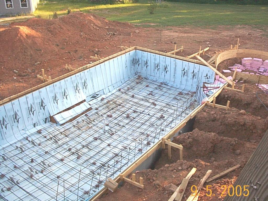 Do it yourself build an inground swimming pool rebar floor - Building a swimming pool yourself ...